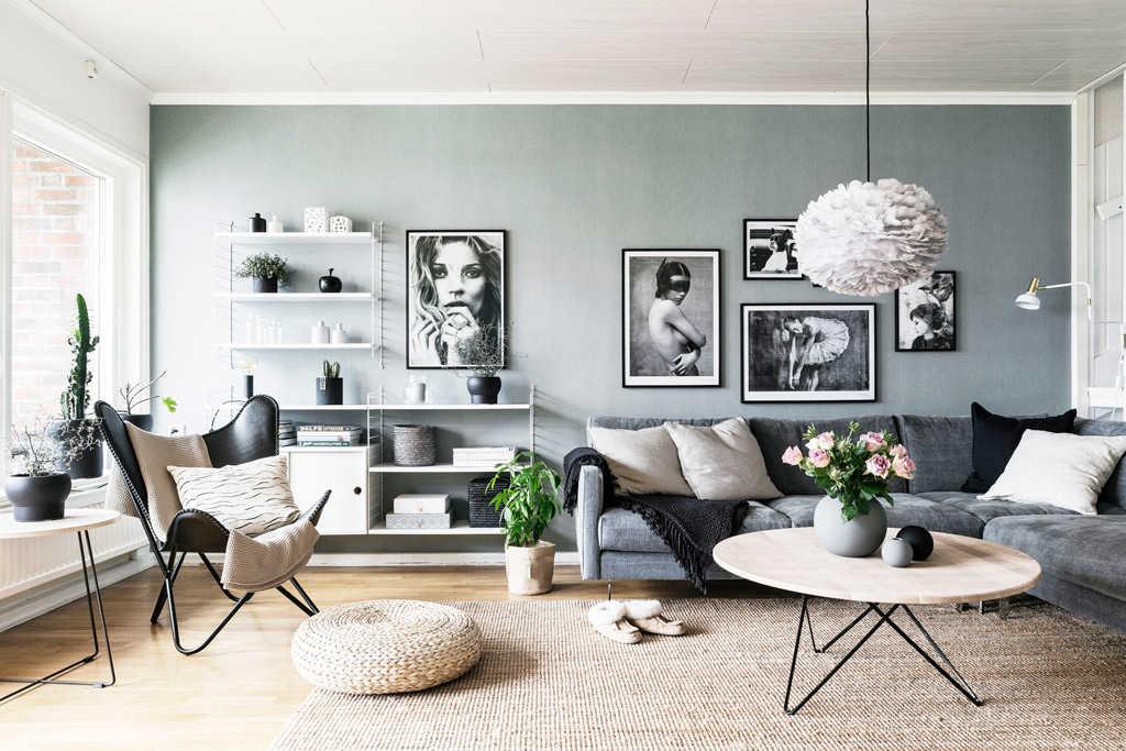 sala de estar color gris con blanco