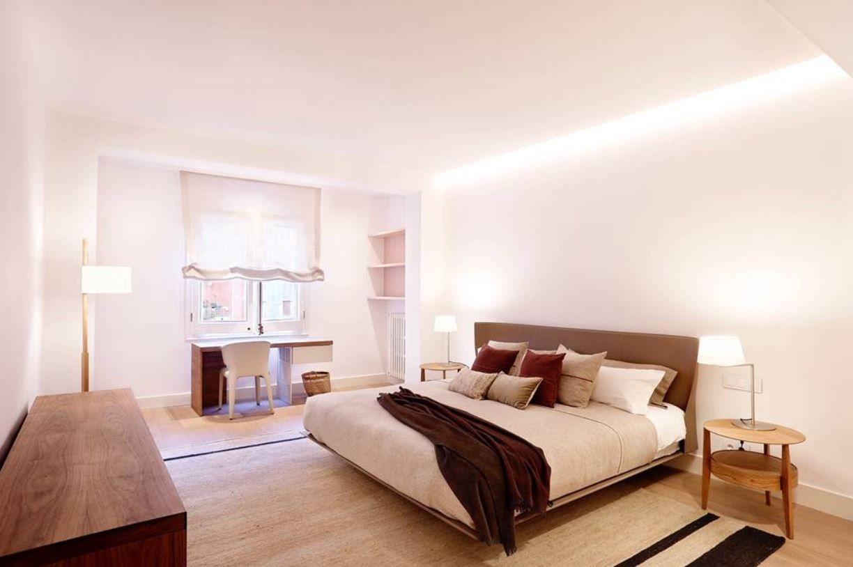 habitación con buena iluminación